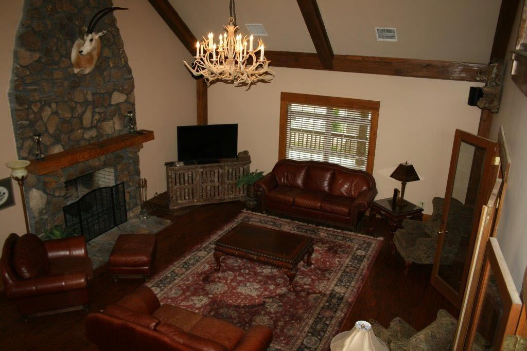 The lodge mcclain